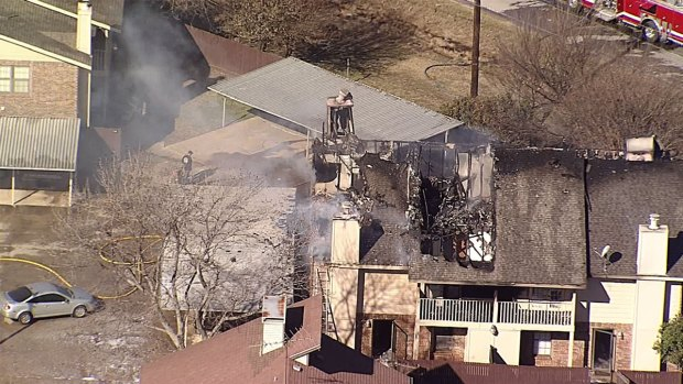 [DFW] Apartment Fire Closes Roads in Denton