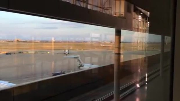 American Airlines Flight Returns to DFW