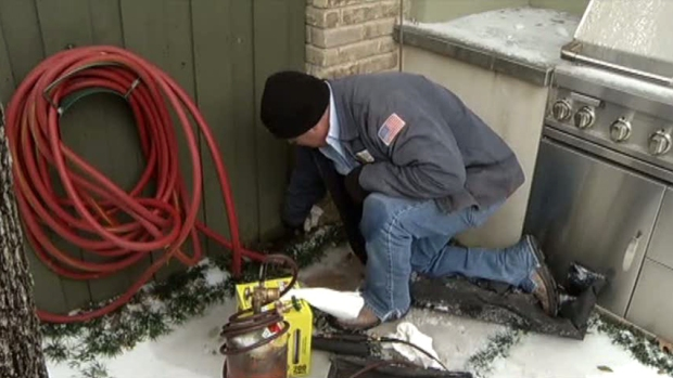 [DFW] Frozen Pipes Keep Plumbers, Homeowners Hopping