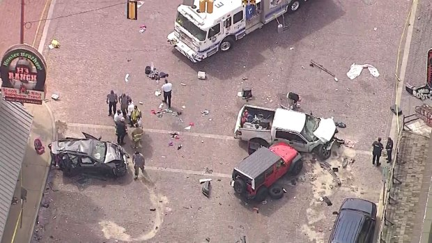 [DFW] Woman Killed, 4 Injured in Crash in Fort Worth Stockyards