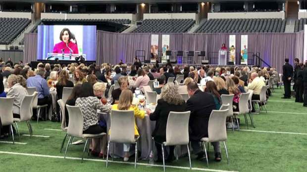 [DFW] Something Good: Cowboys Legends Help Women, Children in Crisis