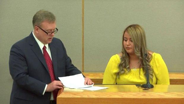 911 Operator Who Took Amber Guyger's Call Testifies
