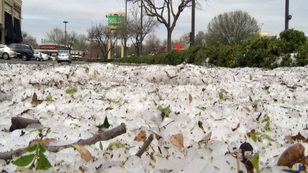 [DFW] West Fort Worth Hit By Hail, Wind