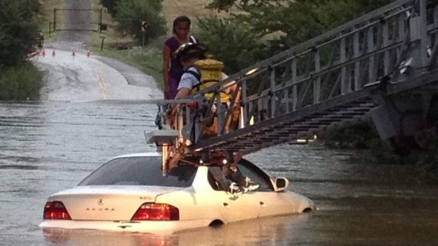 [DFW] Firefighters Perform High Water Rescues in Arlington