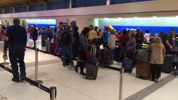 Passengers Pack into Dallas Love Field