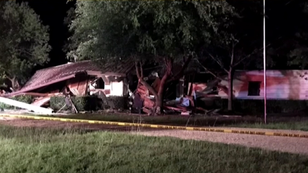 [DFW] Five Injured in Navarro County House Explosion