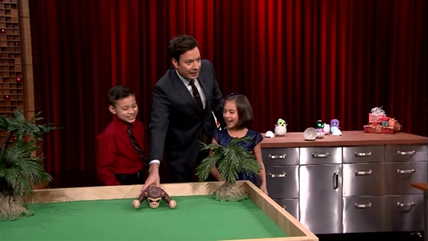 [NATL] 'Tonight Show': Kids Demo Hatchimals, Other Toys