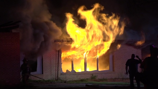 [DFW] Raw: Fire Torches Abandoned School in Dallas: DFR