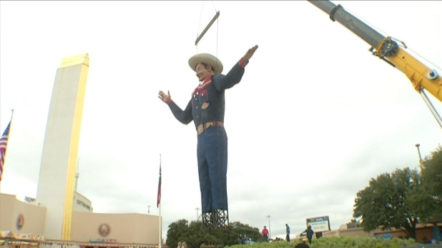 [DFW] Big Tex Takes His Post at Fair Park