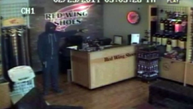 [DFW] Police Release Security Video in Shoe Store Slaying