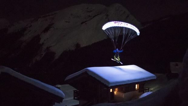 [NATL] Speedrider Flies Down Glacier Under Moonlight