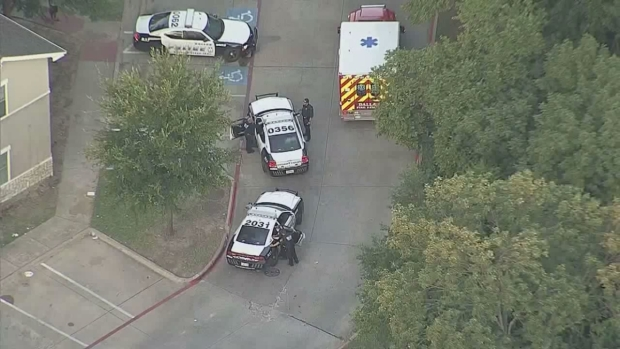 [DFW] Dallas Police, SWAT Involved in Apparent Standoff