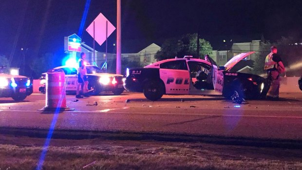 [DFW] Speeding Driver Crashes Into Construction Site, 2 Dallas Officers Hurt