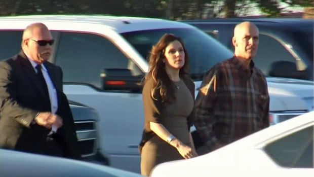 Taya Kyle Walks Into Court Wednesday