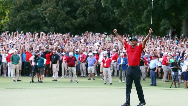 [NATL] Top Sports Photos: Tiger Woods Wins 2018 Tour Championship
