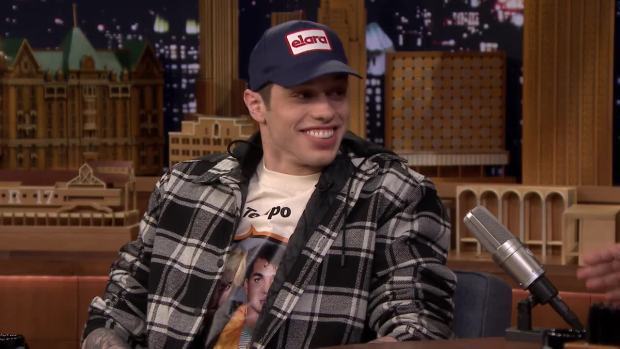 [NATL] 'Tonight': Pete Davidson Thinks Being Engaged to Ariana Grande Is 'Lit'