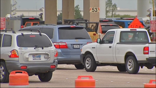 [DFW] Toll Plaza Glitch Causes Delays at DFW Airport