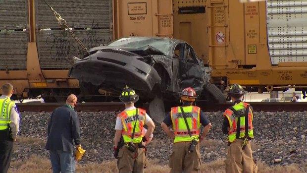 [DFW] Train Hits Car Hauler in Arlington