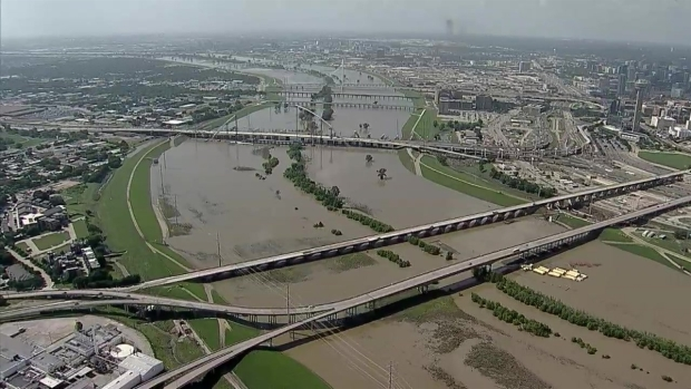 Raw Video: Chopper 5 Over Trinity River in Dallas