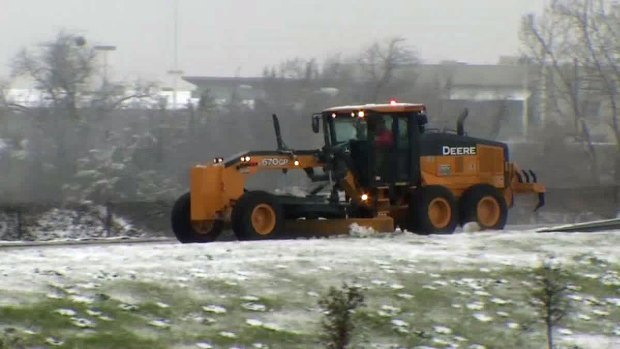 Snow Slows Traffic in Southern Dallas County