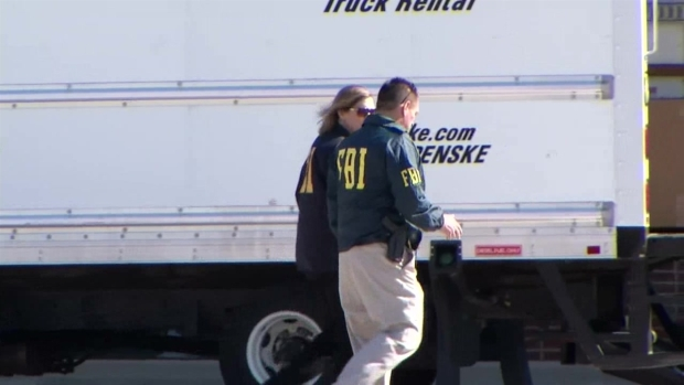 [DFW] FBI Raids Housing Financial Firm (Raw Video)