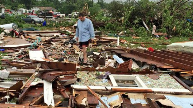 [DFW] Official: 2 Killed, 43 Injured, 8 Missing in Van Tornado