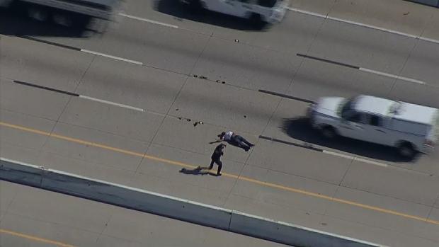 Texas police tase man fleeing across busy interstate