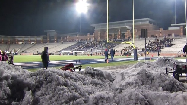 [DFW] Football Fans Brave Ice, Cold in Collin County