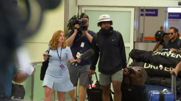 Zeke Elliott Returns, Agent Says They're Here to Make a Deal