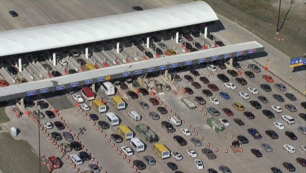 [DFW] Glitch Leads to Backup at DFW Airport Toll Plaza