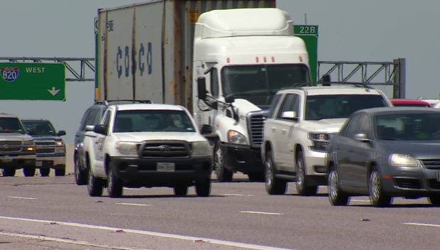 [DFW] NTTA Courtesy Patrol Helps Drivers Stranded in Overwhelming Heat