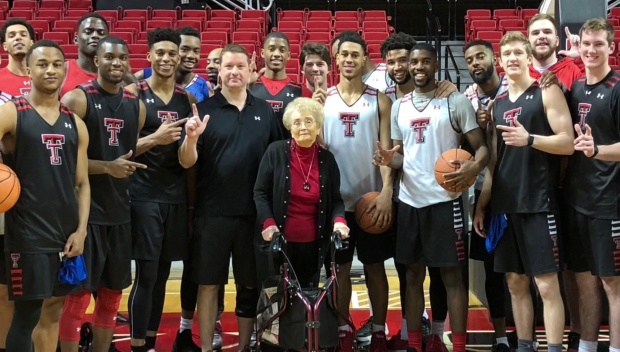 [NEXSTAR] Meet Texas Tech's 92-Year-Old Super Fan