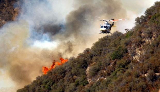 [LA] Crews Launch Aerial Attack on Williams Fire