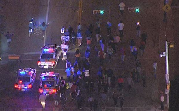 [DFW] Protesters March Through Downtown Dallas