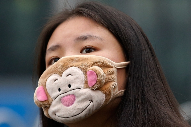 [NATL] Chinese Residents Cope with Extreme Levels of Air Pollution With Face Masks