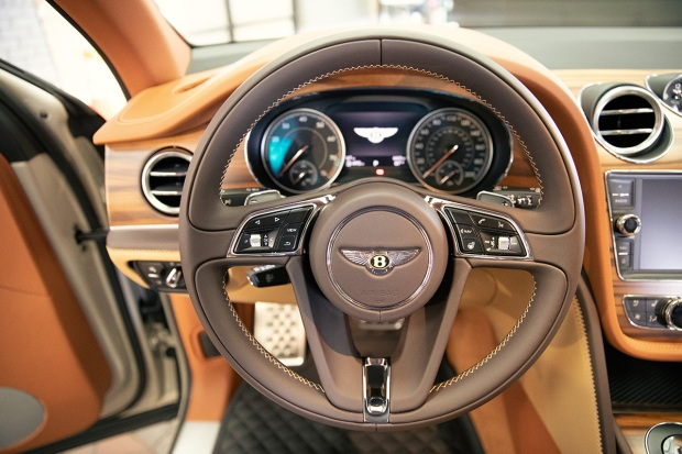 Photos: Bentley and Stetson Team Up to Offer Special Edition SUV