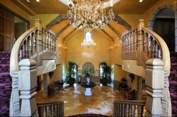 Britney Spears Buys $18.9M Mansion in Hidden Hills, CA