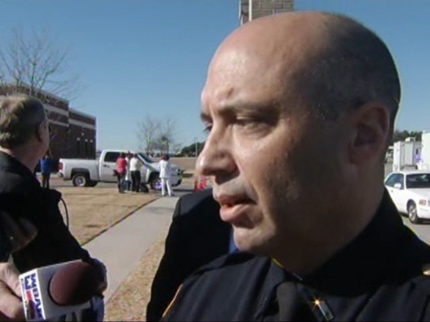 [DFW] Police Explain Report of Man with a Gun at JPS