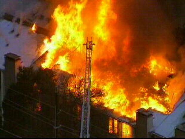 Fire Rips Through Dallas Apartment Building