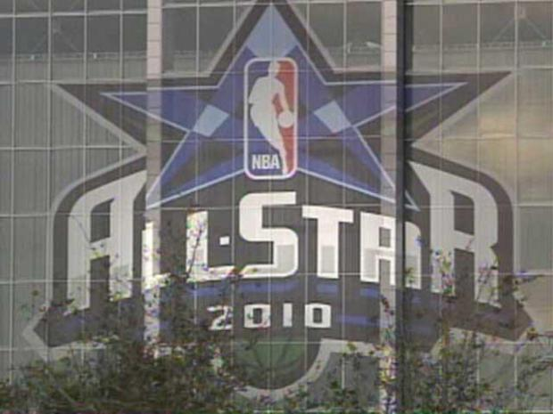 [DFW] Fans Fill Cowboys Stadium for All-Star Game
