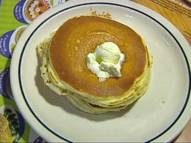 [DFW] Everyday is Pancake Day for IHOP Waitress