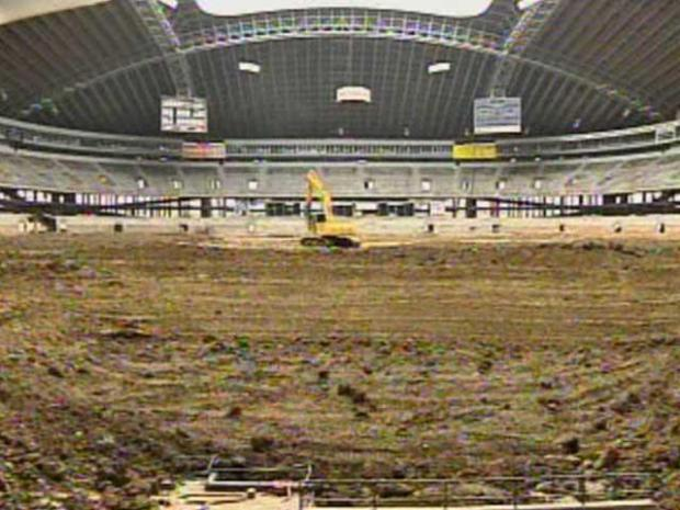 [DFW] Texas Stadium Prepped for Implosion