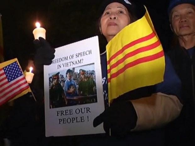 [DFW] Vietnamese-Americans Protest Concert