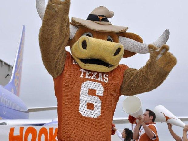 Texas-OU Plane Pull