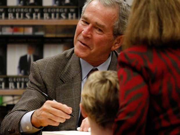 [DFW] Former President Bush Signs Books for Three Hours