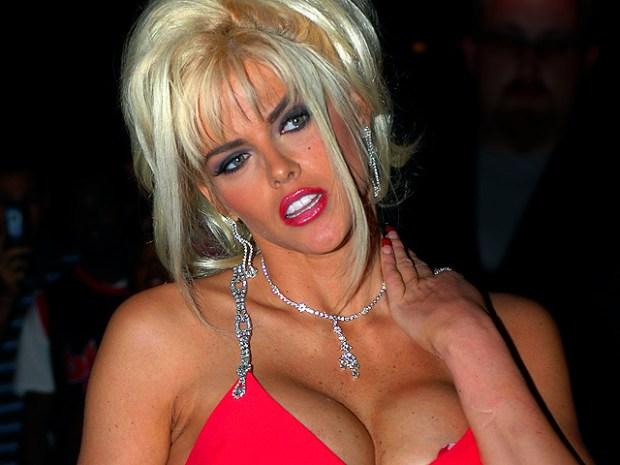 [NATL] Anna Nicole Smith: Life in Photos