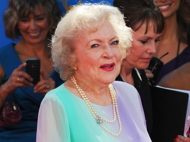 [NATL] Hot Dogs, Potatoes Keep Betty White Young