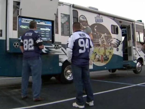 [DFW] Cowboys Fans From Near, Far Ready for Playoff
