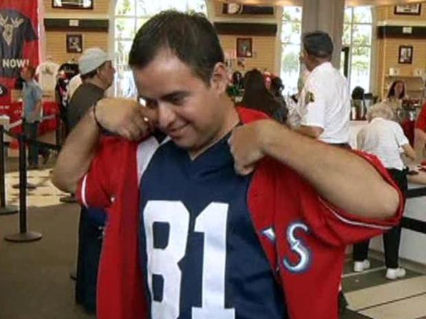 [DFW TEXAS RANGERS] Cowboys Fans Double-Dip With Rangers Gear