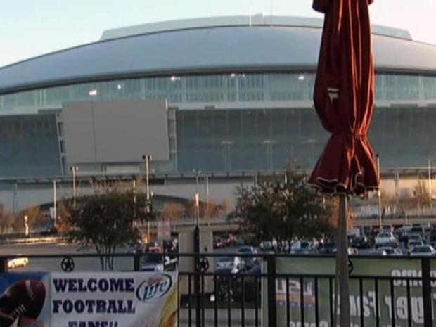 [DFW] Businesses Make Play for Super Bowl Crowds